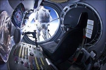 Рекордный прыжок Баумгартнера из стратосферы